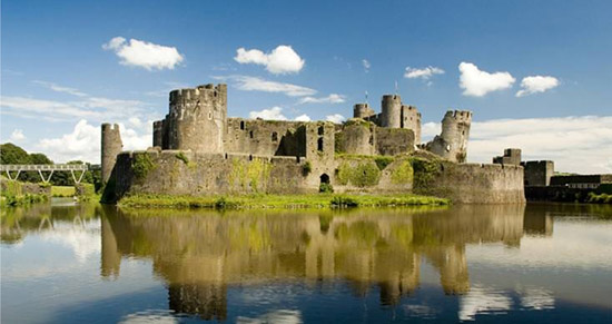Fussells Estate Agents in Caerphilly - Image of castle